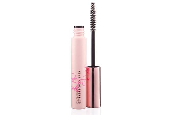 beauty-makeup-2013-09-rihanna-08