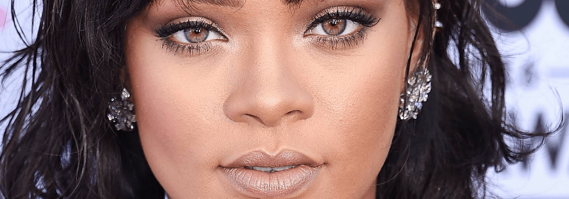 Rihanna attends 2016 Billboard Music Awards