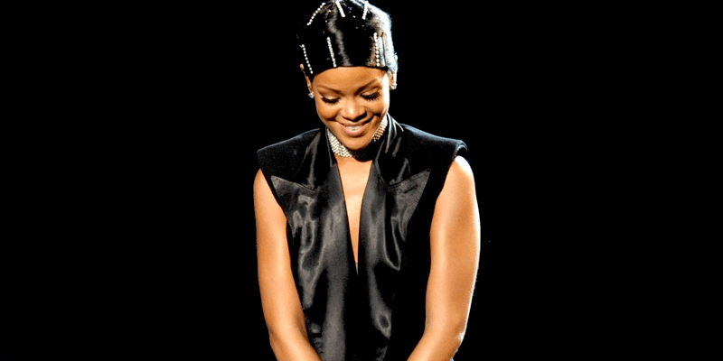 Rihanna becomes one of the 10 most awarded artists in American Music Awards' history