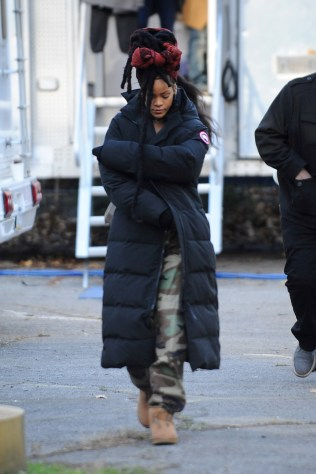 Rihanna goes back to New York to film Ocean's Eight on November 22, 2016 camouflage pants