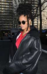Rihanna out in New York on December 7, 2016 Coffee
