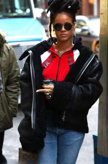 Rihanna out in New York on December 7, 2016 Sunglasses