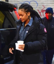 Rihanna heading to Ocean's Eight set on December 9, 2016