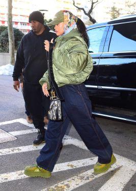Rihanna in New York on March 23, 2017 photos