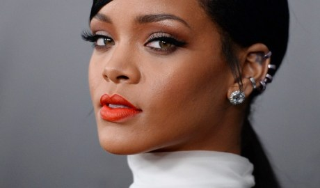Rihanna scores her 17th No. 1 on Rhythmic Songs chart
