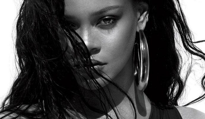 PHOTOSHOOT & INTERVIEW: Rihanna for Vogue Magazine