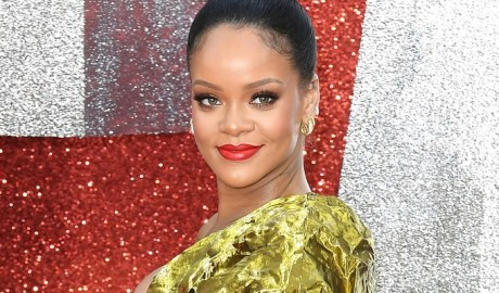 Rihanna steals the show at Ocean's 8 London premiere