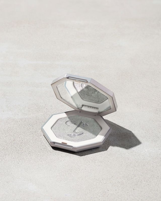 Rihanna Fenty Beauty Killawatt Freestyle Highlighter Diamond Ball-Out