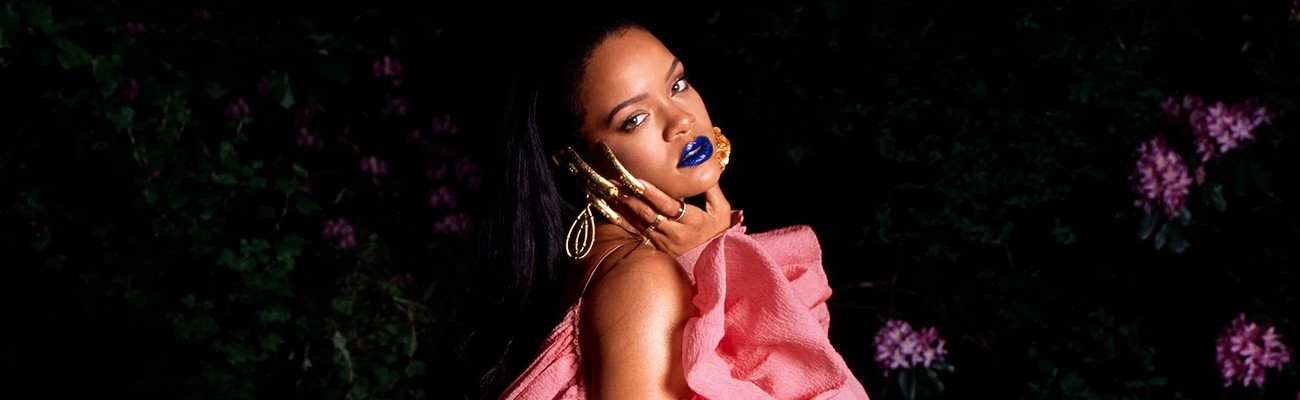 Rihanna replies to a fan asking about new music