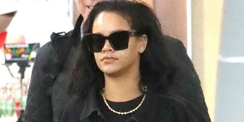 Rihanna arrives in New York
