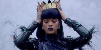 Rihanna Coroa