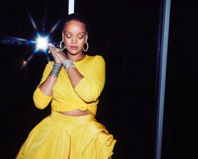 Rihanna no lançamento da Fenty Beauty