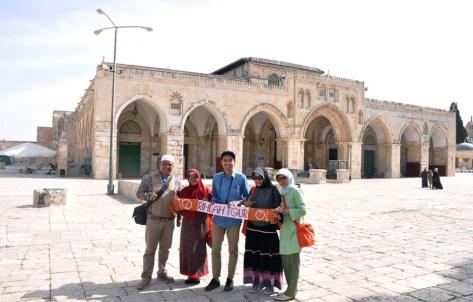 Depan Masjidil Aqsha