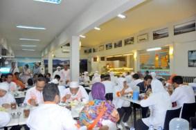 Istirahat Perjalanan Bandung Jakarta 1