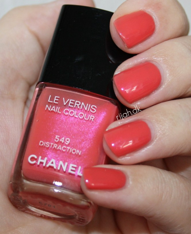 Chanel Distraction