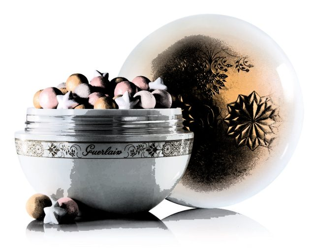 Guerlain hos Sephora M_T_ORITES FLOCONS ENCHANT_S LIGHT-ENHANCING POWDER DKK 395