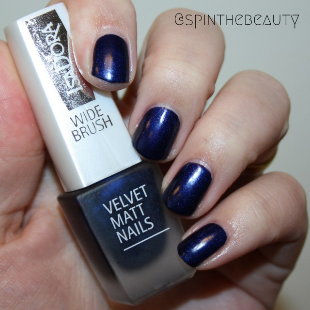 IsaDora Velvet Matt Nails Green Planet & Moody Blues IsaDora Moody Blues