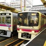 京王線と井の頭線の全車両でWiFiサービスを開始