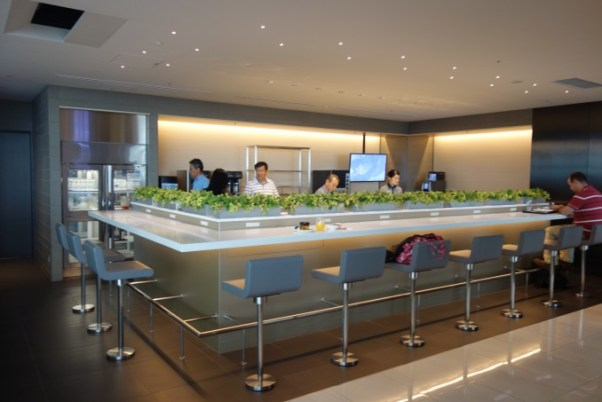 ana lounge 軽食コーナー