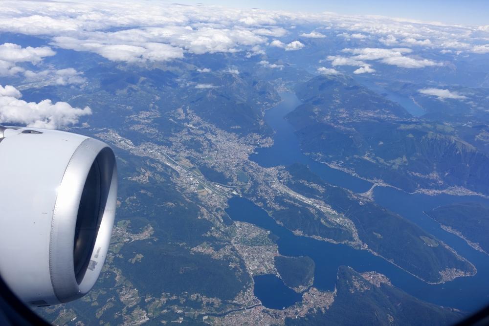 スイスアルプス上空