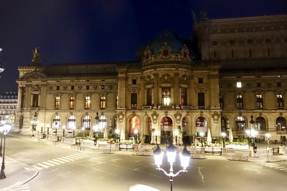 Wパリ オペラ スペクタキュラールーム 夜明け前のオペラ座