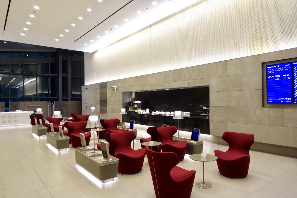 カタール航空ドーハ国際空港アルムルジャンビジネスラウンジドリンクバー