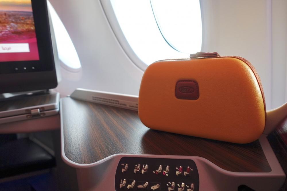 カタール航空ドーハ発パリ行きのアメニティはBRICS