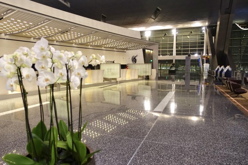 カタールドーハ国際空港ビジネスクラス専用チェックインから入口側を見たところ
