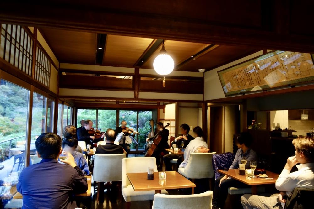 翠嵐ラグジュアリーコレクションホテル京都八翠シャンパンディライトの様子