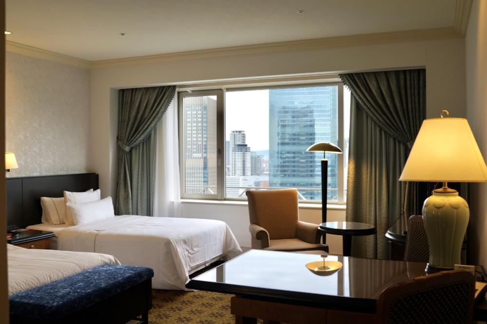 ウェスティンホテル大阪ジュニアスイートリビングルーム