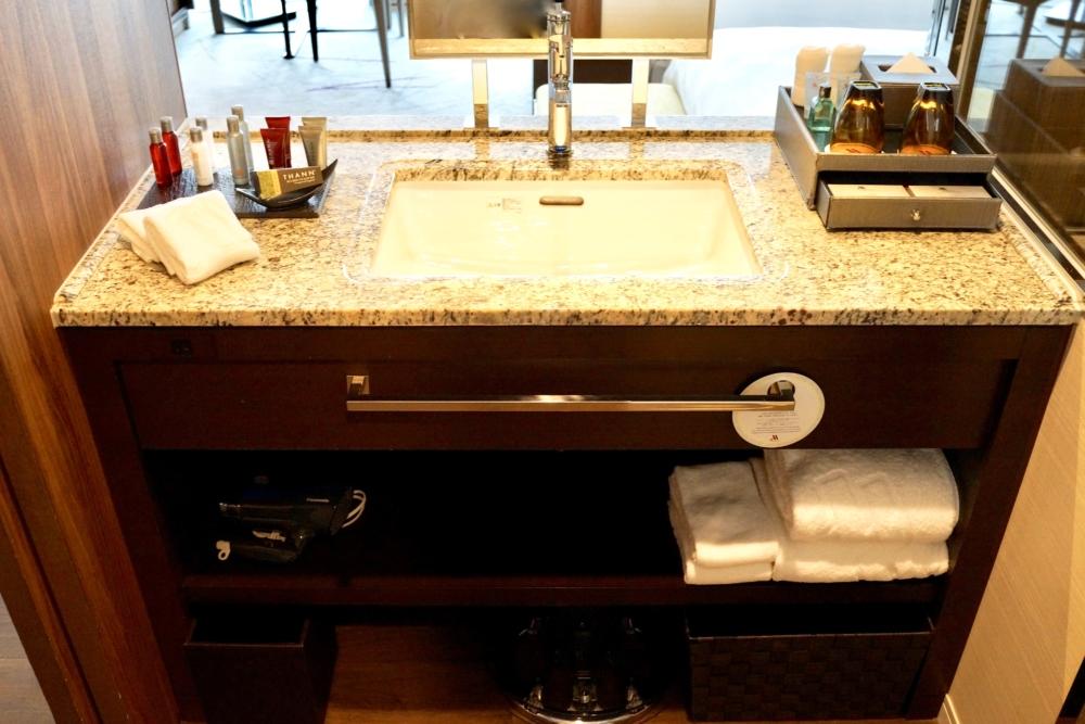 大阪マリオット都ホテル46階デラックスバスルーム
