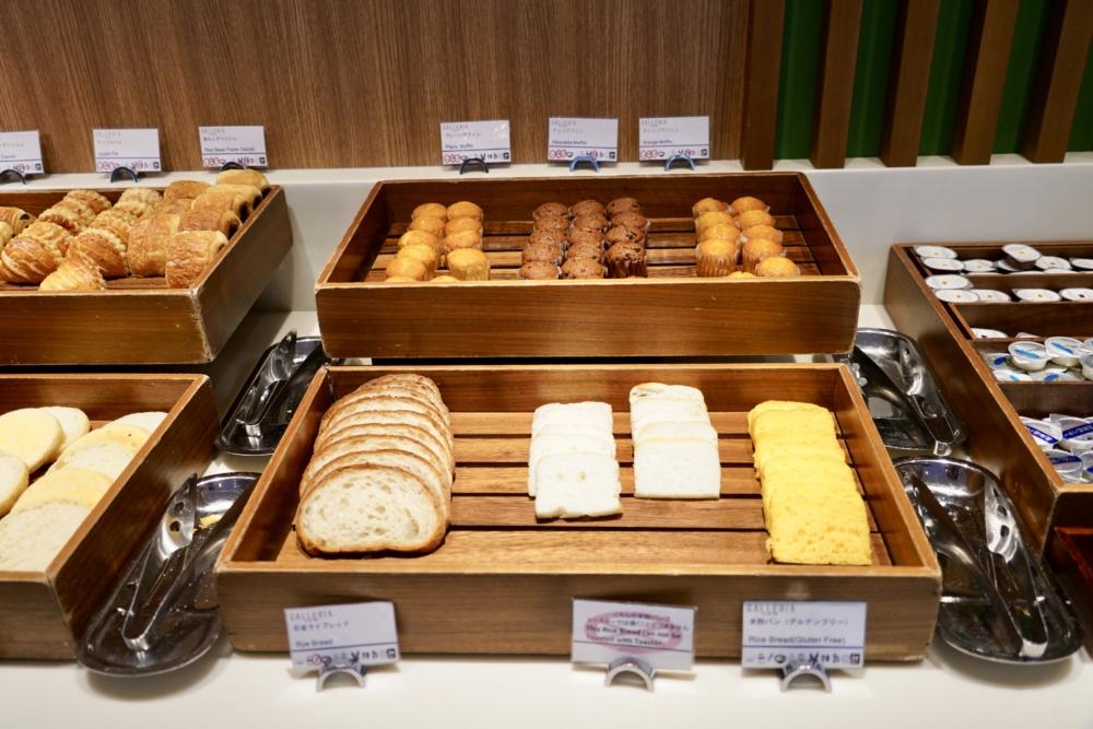 シェラトン・グランデ・トーキョーベイ・ホテル/ガレリアカフェの朝食メニュー/パン