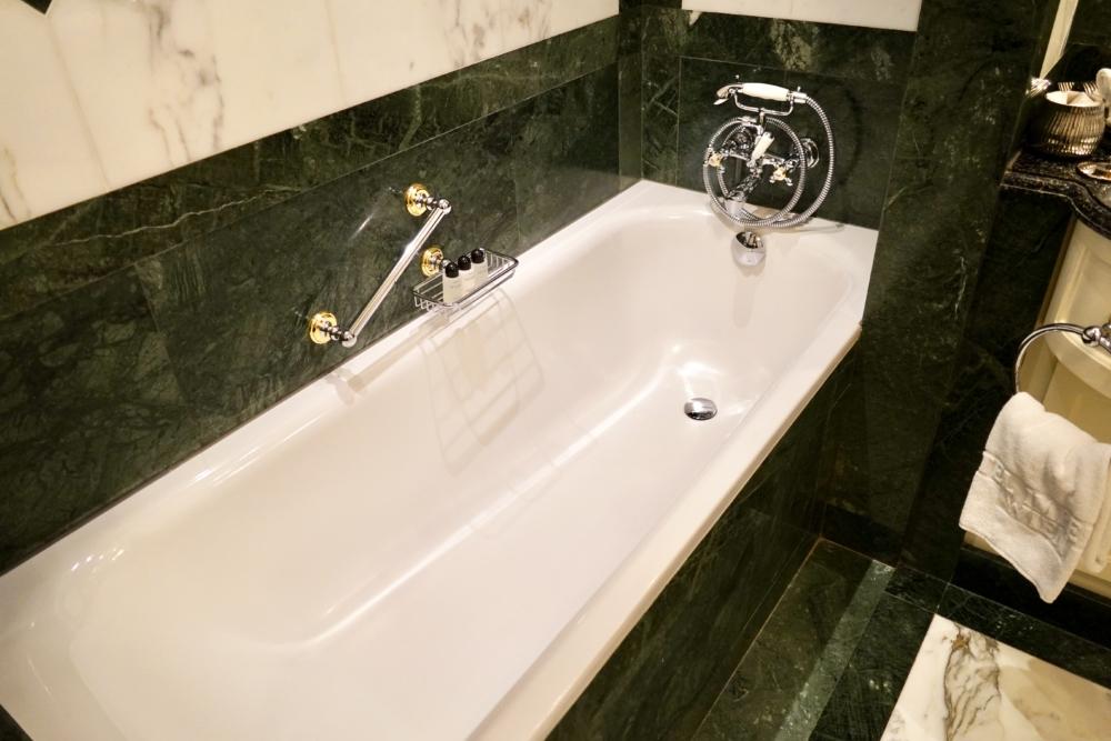ホテルインペリアルウィーン・エグゼクティブジュニアスイート・浴槽