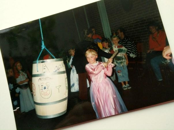 Rikke Uhre Andersen fejrer fastelavn. Tradition. Kultur.
