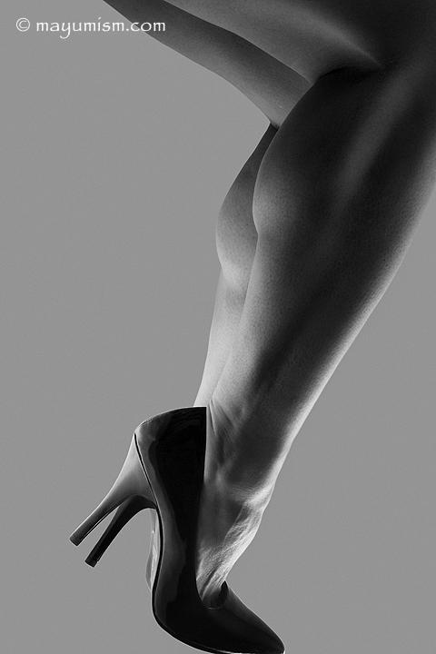 Rikochan's muscular legs in high heels