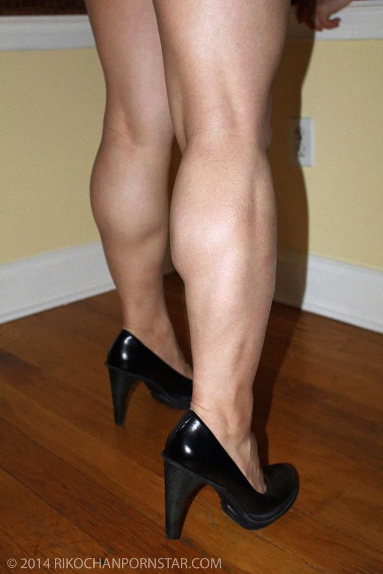 Japanese FBB Rikochan's calves are huge!