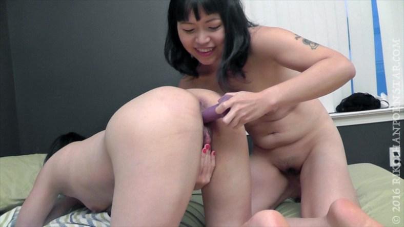 Yuka rubs Rikochan's big clit