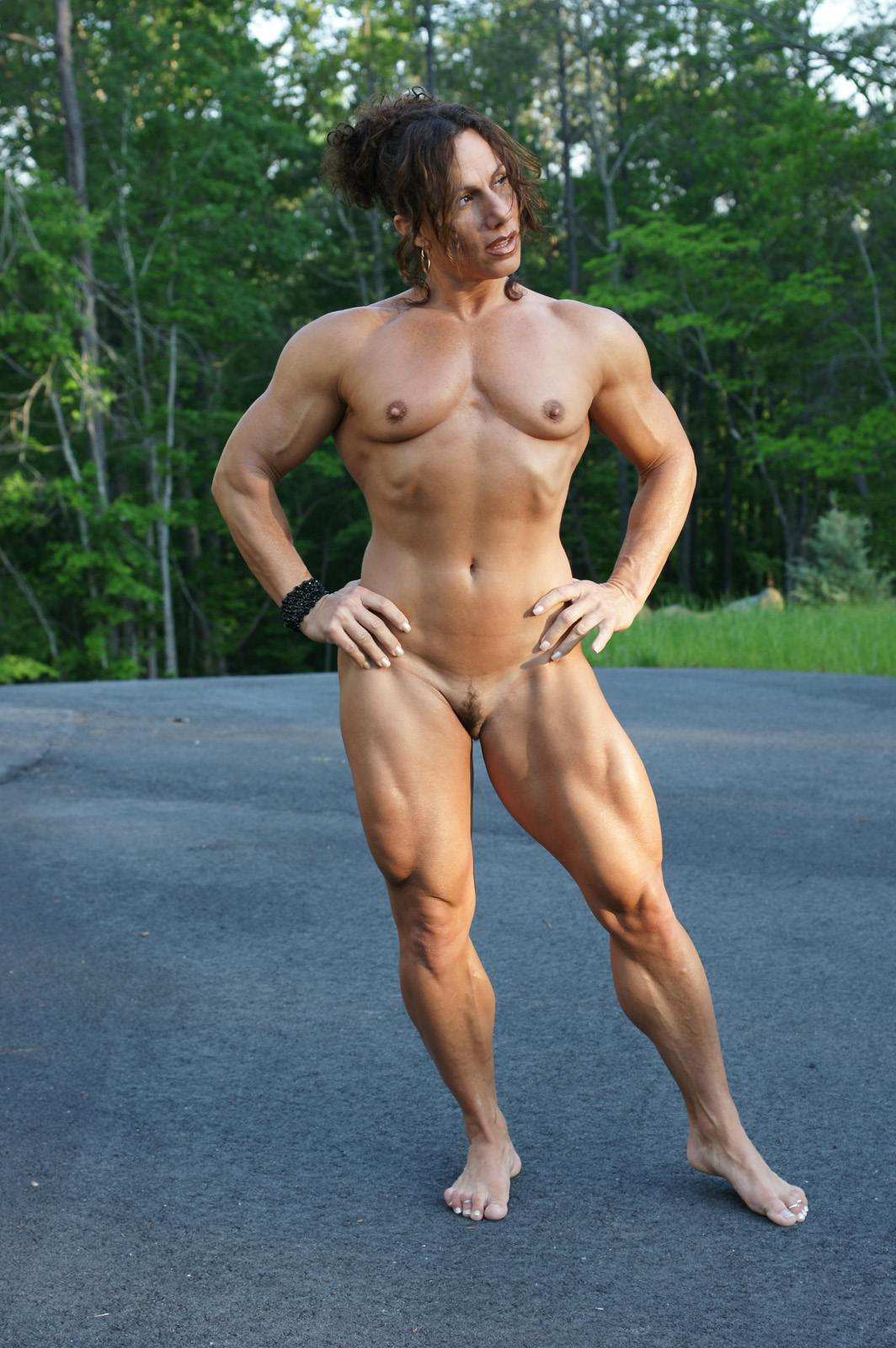 Free mature female muscle nude muscular women
