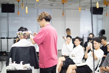 パーマ美容師