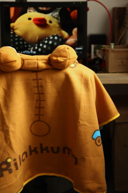 rilakkuma-cloak-shawl-on chair