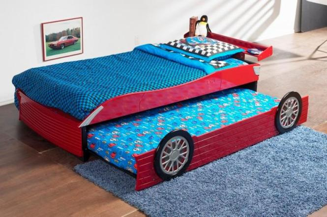 Cool Roll Out Car Bed