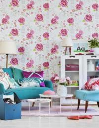 20 Living Rooms with Beautiful Floral Wallpaper