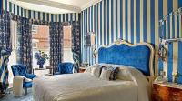 15 Classy Bedrooms with Striped Walls - Rilane