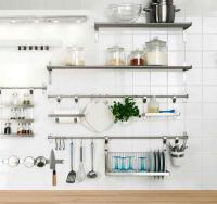 15 Dramatic Kitchen Designs with Stainless Steel Shelves ...