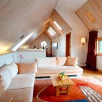 20 Beautiful Attic Living Room Design Ideas - Rilane