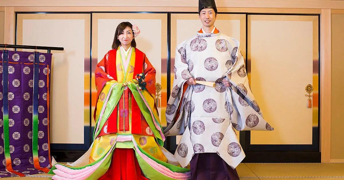 十二単で平安貴族に変身!京都で平安裝束體験│観光・旅行 ...
