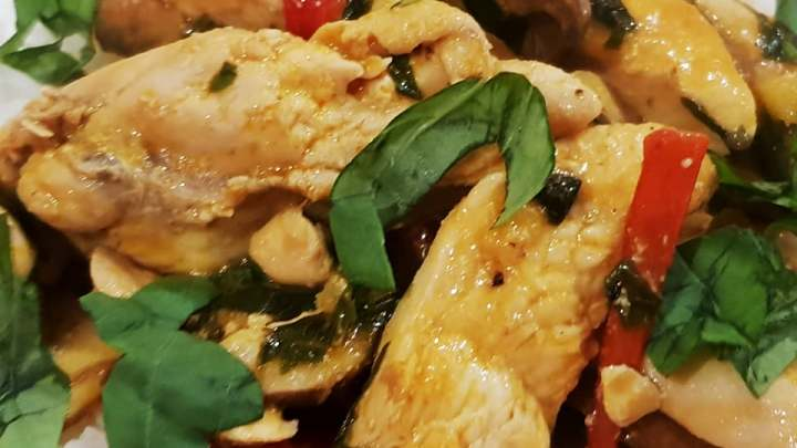 Thai chicken and basil sizzle