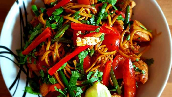Chinese Chicken Noodles