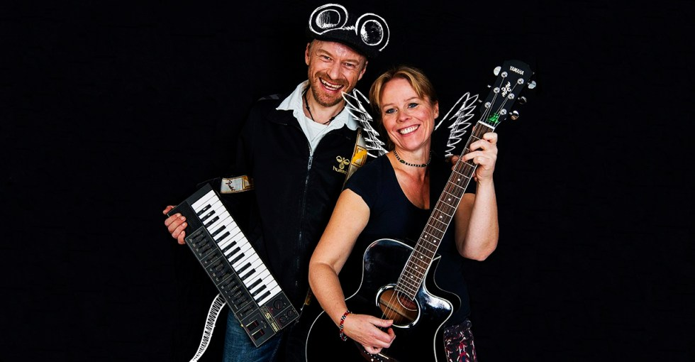 RimRaketten Duo spiller musik for børn. Koncerter for børn. Musik til børnefødselsdagen. Underholdning til børnefødselsdagen