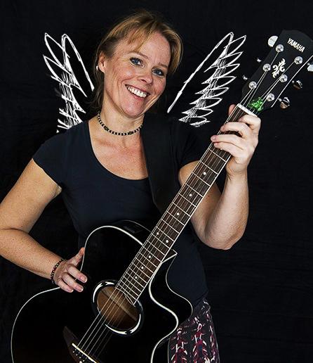 June Beltoft, RimRakettens forsanger.